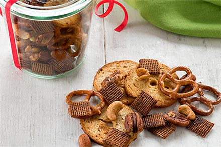 Simply Organic Holiday Organic Clean and Classic Snack Mix Recipe