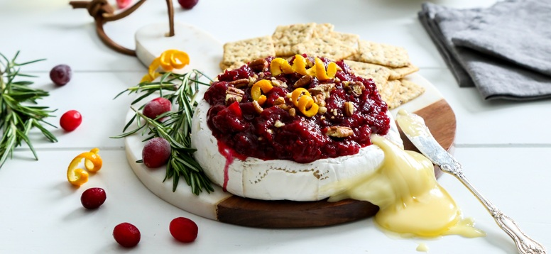 Simply Organic Holiday Baked Brie with Cardamom Cranberry Orange Relish Recipe